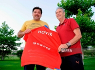 Joaquin Caparros meets with Hovik Keuchkerian