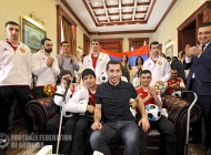 Henrikh Mkhitaryan visits soldiers recovery center